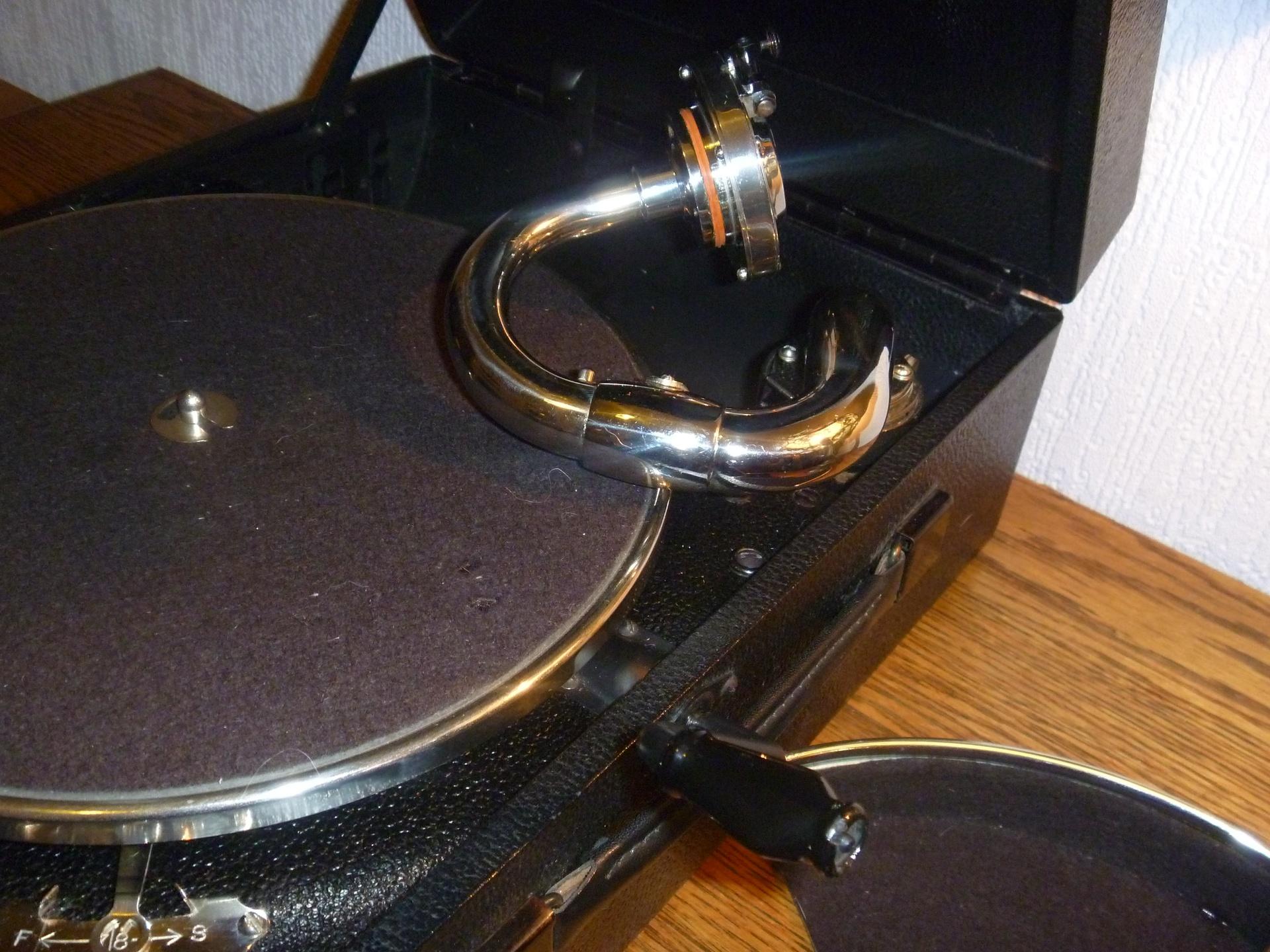 HMV Model 97b 8